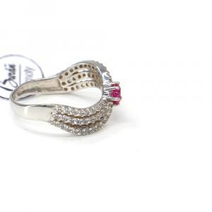 Prsten z bílého zlata se středovým synt. rubínem a zirkony Pattic AU 585/000 2,30 gr,Z429001